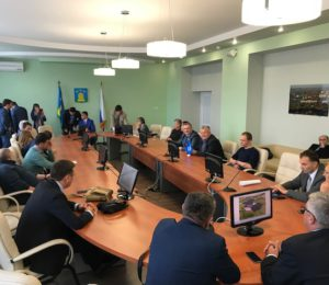 14 октября в рамках работы Делового центра VII Международной Покровской ярмарки состоялась встреча представителей органов власти, бизнеса, Корпорации развития Тамбовской области с иностранными делегациями из Болгарии и Сербии