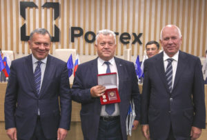 Александр Пахомов был награжден медалью Федерального медико-биологического агентства «За содействие донорскому движению»